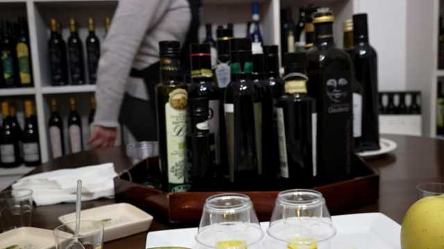 Extra Virgin Olive Oil Class in Rome