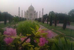 Amazing Taj Mahal and Other Attractions