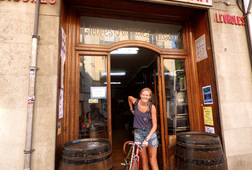 Authentic Wineries & Classic Road Bikes