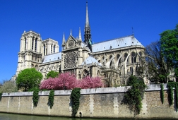 Notre-Dame Walking Tour With Boat Cruise