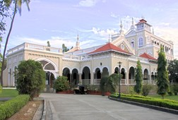 Private Sightseeing Tour of Pune City