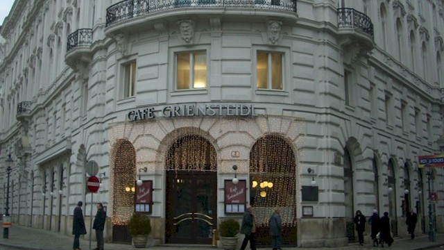 Viennese Coffee House Tour